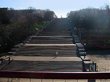 Потемкинская лестница в Одессе (вид снизу)