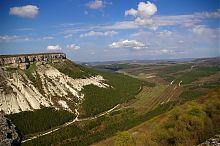 Вид с плато пещерного города Чуфут-Кале в Крыму