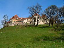 Южный угол Свиржского замка Львовщины