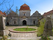 Внутренний двор Свиржского замка Львовщины