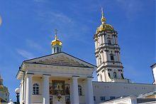 Надбрамний корпус Свято-Успенської Почаївської лаври