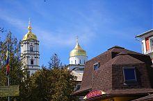 Вид на Свято-Успенскую Почаевскую лавру