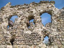 Северо-восточная стена Середнянского замка