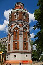 Південний фасад водонапірної башти в Маріуполі