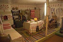 Экспозиция крестьянского быта государственного краеведческого музея в Артемовске