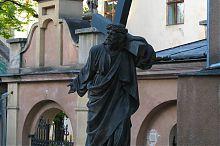 """Скульптура """"Спаситель с крестом"""" львовского Армянского кафедрального собора"""