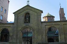 Головні ворота львівського Вірменського собору Успіння Пресвятої Богородиці