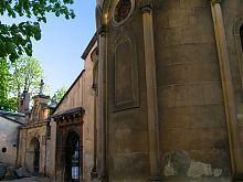 Восточный дворик львовского Армянского кафедрального Успенского собора