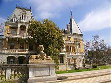 Западный фасад Массандровского дворца в Массандре