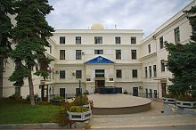 Центральный фасад севастопольского Института южных морей