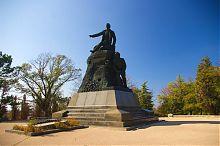 Памятник на месте смертельного ранения адмирала Корнилова на Малаховом кургане Севастополя