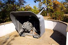 Орудие-памятник батареи Матюшенко Малахова кургана в Севастополе