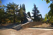 Памятник лётчикам 8-ой воздушной армии Малахового кургана в Севастополе