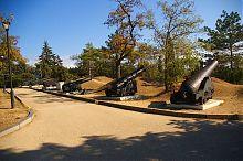 Орудия времен Первой обороны Севастополя на Малаховом кургане