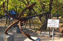 Галерний якір музею на севастопольському Історичному бульварі
