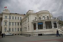 Северная колоннада здания бывшего севастопольского Института физических методов лечения