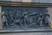 """Горельеф """"На четвертом бастионе"""" памятника Нахимову в Севастополе"""